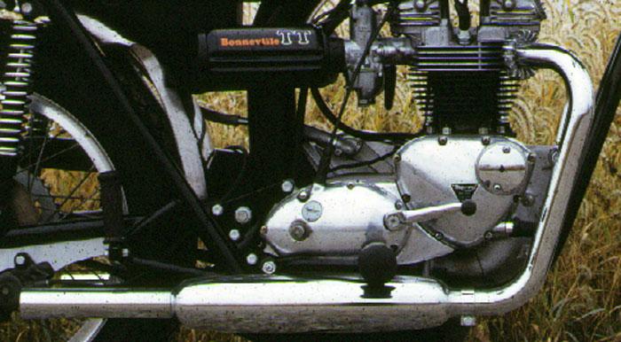 Craig Vetter Bonneville TT-1972-bonne.-tt-eng-and-pipes-web.jpg