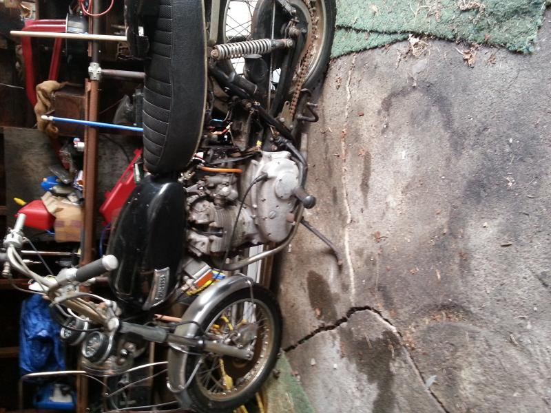 1974 trident 750 project-20121006_151023.jpg