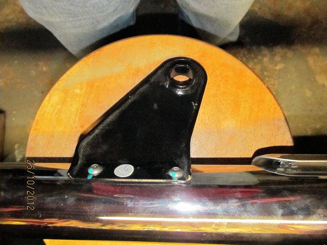 Muffler bracket?-20121025_3.jpg
