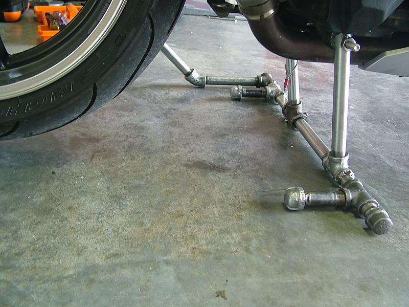 Removing shock absorber...help needed!-centerstand-027.jpg