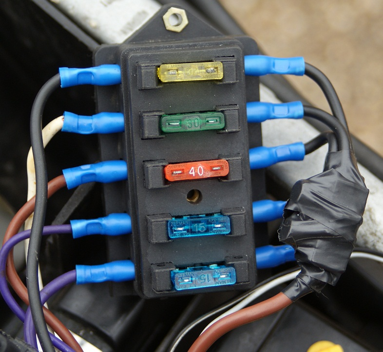 fuse box wiring problem page 2 triumph forum triumph rat jpg click image for larger version current fuse relay rewire 2