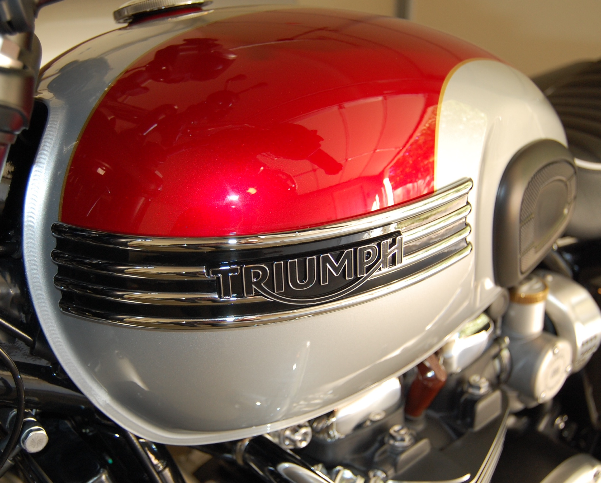 T120 Tank Badge Removal And Swap Page 2 Triumph Forum