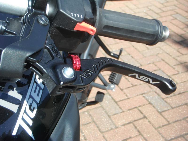 Tiger 800 Clutch Lever - Triumph Forum: Triumph Rat Motorcycle Forums
