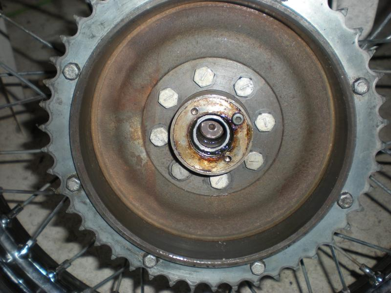 1969 t100s rear wheel, anchor plate distance piece???-dscn0877.jpg