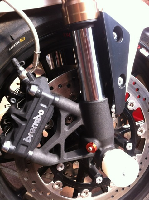 Blown right fork seal - Triumph Forum: Triumph Rat Motorcycle Forums