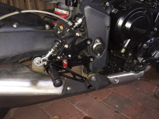 Rearsets With Quickshifters Triumph Forum Triumph Rat Motorcycle