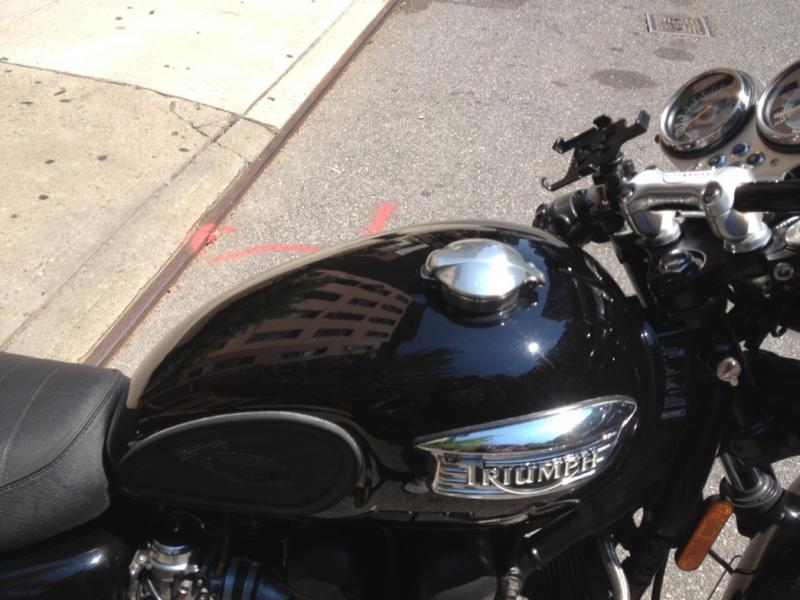 Hinged Gas Cap-imageuploadedbymotorcycle1345925236.498886.jpg