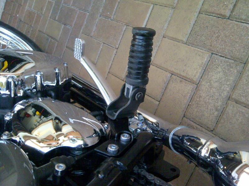 Lowering pegs for Bonnie T100-img-20130114-00155.jpg