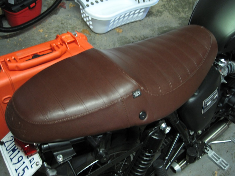 Anyone have a source for a sixty8 brown Thruxton seat?-img_0689.jpg