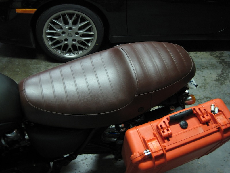 Anyone have a source for a sixty8 brown Thruxton seat?-img_0690.jpg