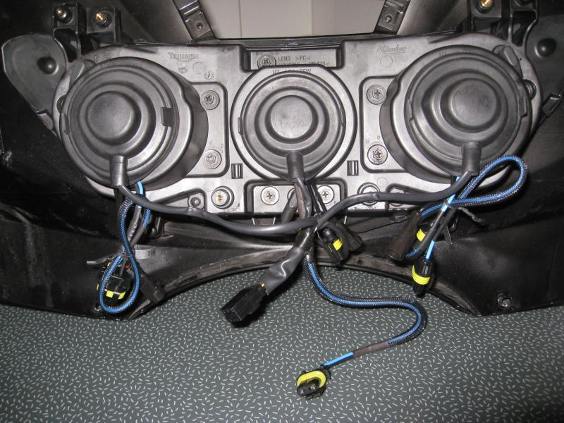 Light upgrade-img_4731-hids-inside-housing.jpg
