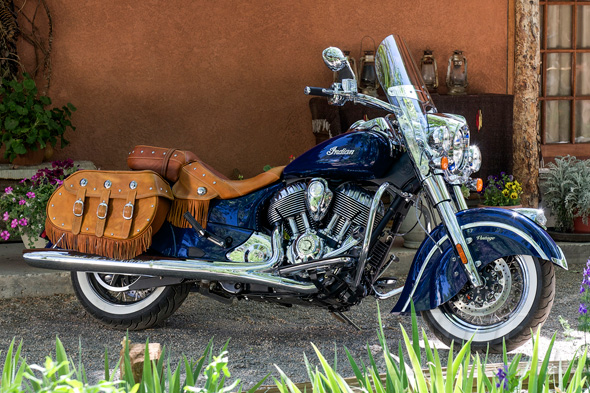 2014 Indian Motorcycles-indian-chief-vintage-static-right-blue_intext.jpg