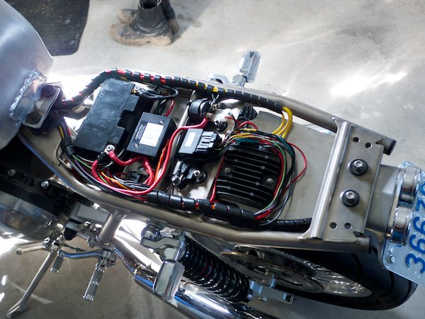 wiring a thruxton with a motogadget m-unit