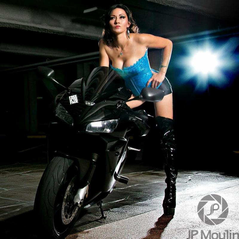 Girls on motorcycles Pics mainly - but comments now allowed.-lady-helen.jpg