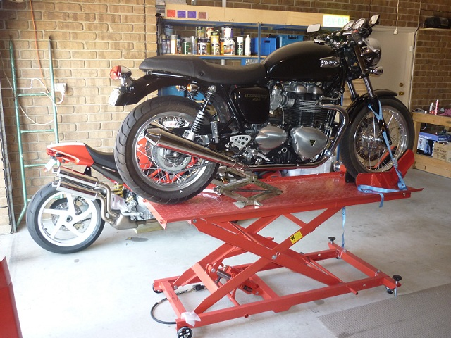 Love My New Motorcycle Lift Table Triumph Forum Rat Forums