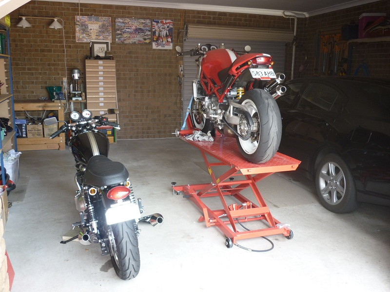 Love my new motorcycle lift table-p1020869to800600.jpg