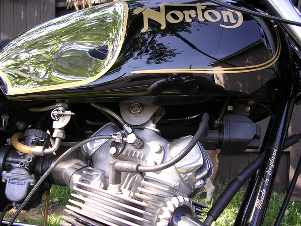 W650 vs Bonnie 865 & oil cooling-rocker-oil-lines-screws-norton-example.jpg