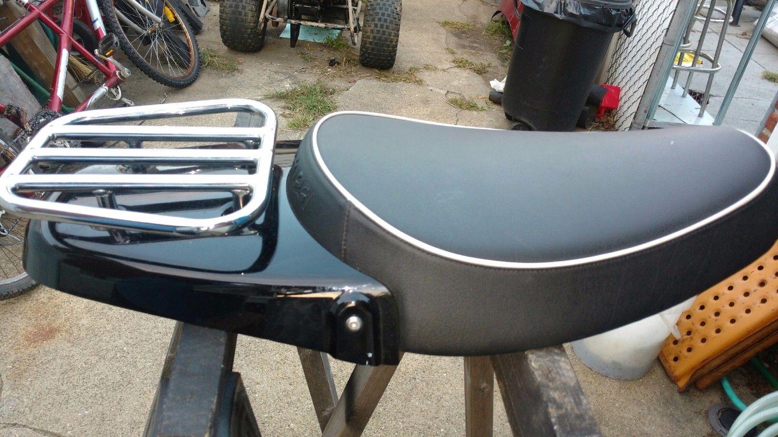 Triumph bonneville solo seat