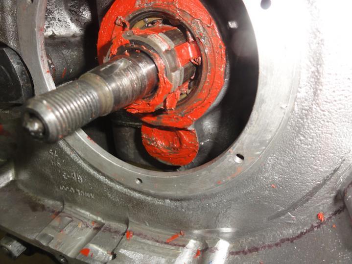 Gearbox Leak - is it possible...-t140-gearbo-leak-4.jpg