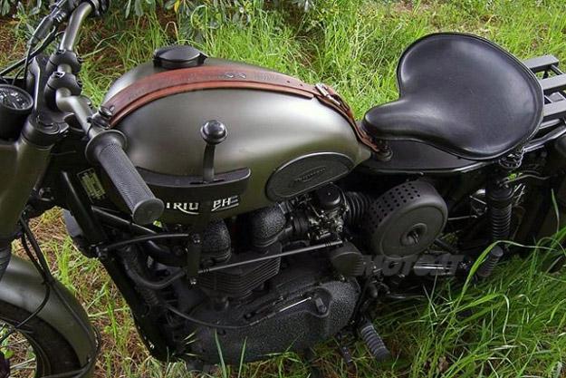 La Grande Fuga-triumph-bonneville-custom-2.jpg