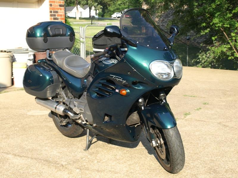 Name:  Triumph Motorcycle 07-2009 001 800 x 600.jpg Views: 1077 Size:  183.3 KB