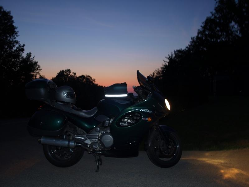 Name:  Triumph Motorcycle 07-2009 012 800 x 600.jpg Views: 458 Size:  122.6 KB
