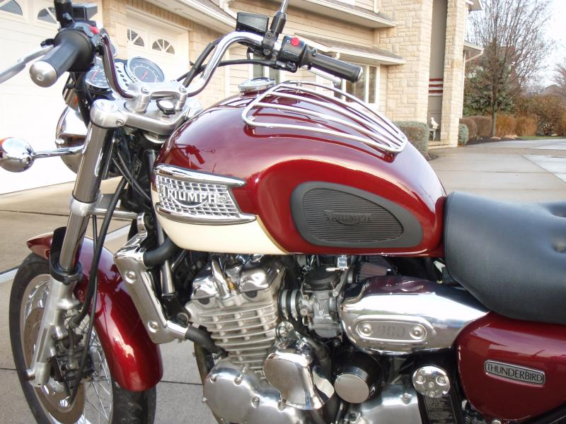 What I did to my T3 classic today-triumph-tank-and-side-cover-brackets-113.jpg