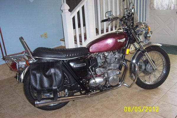 Got my T160 last week! Starting restoration ...-triumph_trident.jpg