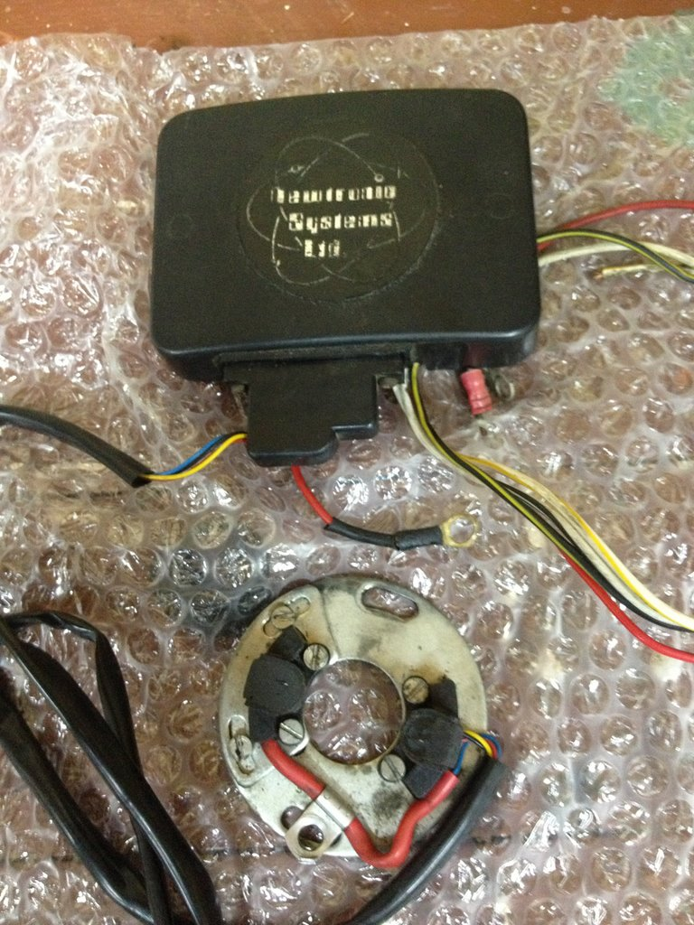 58408d1356742299 installing newtronic electronic ignition tr v help ventas internet 069 installing newtronic electronic ignition tr v help triumph  at aneh.co
