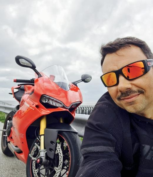 Showcase cover image for Ducati 1299S
