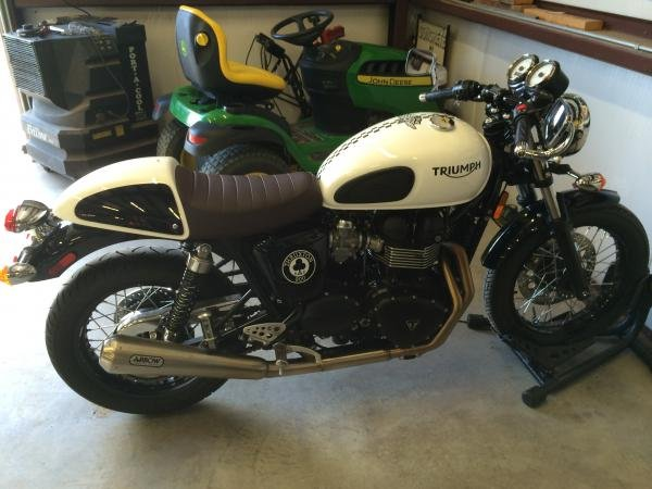 Showcase cover image for nm ace's 2015 Triumph Thruxton Ace