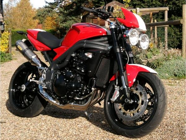 Showcase cover image for Steve 63's 2011 Triumph Speed Triple SE