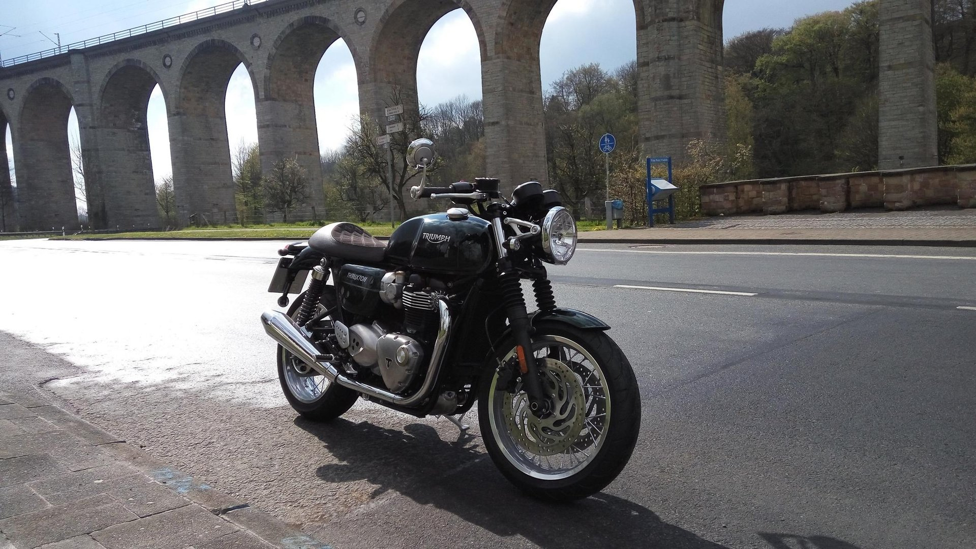 Thruxton 1200 Competition Green Triumph Rat Motorcycle